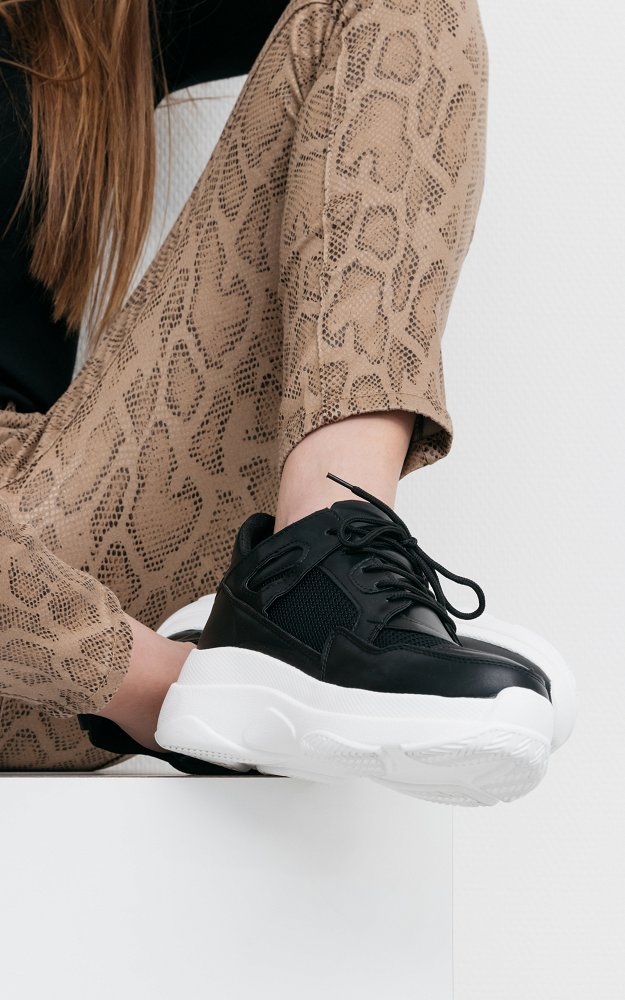 Sneaker Zoe Black   Sneakers with thick