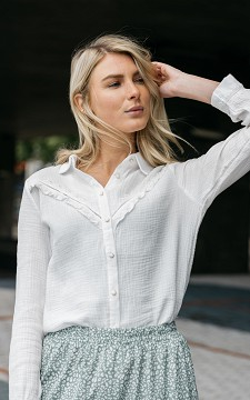 Blouse Nova - Blouse with ruffles and lace