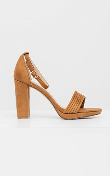 Heels Lotte - Sandalen mit dünnen Riemchen