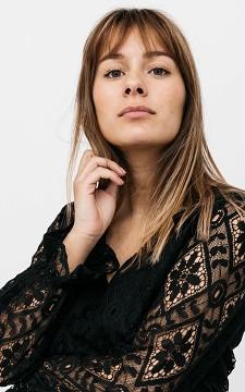 Top Karlijn - Spitzenbluse mit femininem Charme