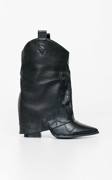 Boot Kylie - Pointed boots with snakeskin patterned details