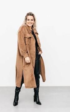 Mantel Novy - Fluffy look mantel met knopen