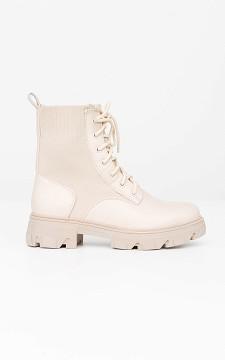 Boots Ciara - Coole Schnürstiefeletten im Sockenstil