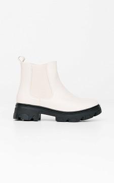 Boots Lieze -