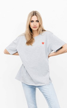 Shirt Imke - Basic T-shirt with a small heart design