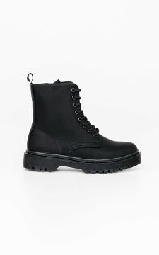 Boots Kim -